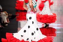 Moda flanenca. / El arte de vestir de flamenca!