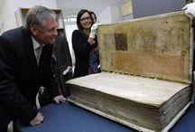 I libri più grandi del mondo - Big book / Codex Gigas, che misura 890x490 mm e pesa oltre 72 Kg.