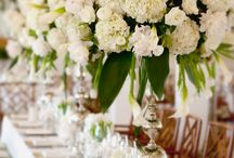 Tablescapes + Centerpieces / beautiful tablescapes and centerpiece inspiration.