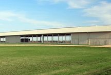 Beef Facilities / Beef producers choose FBi Buildings because of our knowledge of the beef industry, in-house, pre-engineered structural design expertise, in-house manufacturing and distribution and large company-employed crews (with all the right equipment) that come together in a well-orchestrated process to ensure your project is completed on time with excellence and on budget.