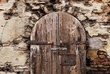 Lovely Doors / by Farza Maciel