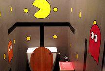 Cabinets et curiosités / Il y a de quoi s'amuser avec les toilettes. Si si !