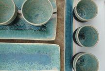 ceramique Lagune / Un ensemble de bols, assiettes en céramique aux couleurs de lagune