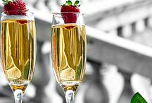 Sparkling bubbles to celebrate... / The pleasure of tasting a glass of champagne while having special moments.
