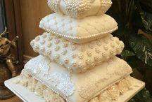 pillow cakes