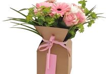 Flower Packaging from The Netherlands / Sleeves and sheets to give flowers added value