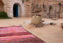 TAPIS / Tapis de laine tissés, noués, ethniques, kilims... / by helene colson