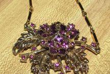 Jewelry I like / by Leslie Tackett