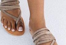 Zapatos y sandalia