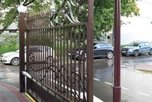 Кованые ворота / Кованые ворота размером 7,5 метра в длину и две калитки. Доставили и смонтировали в Москве недалеко от метро Славянский Бульвар на улице Давыдковская.
