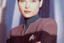 Sci Fi Babes / As an avid Trekky in my past, it is simply amazing how many stunners that they found to take the roles. In their real lives they are equally beautiful....and a little more human
