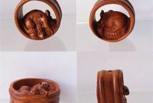 Animal Beads > Mouse / Hand carved boxwood beads.