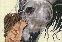 niña con caballo punto de cruz