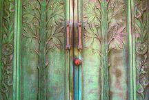 Cottage bunky door
