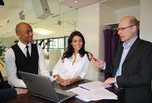 """Medientraining / HeadlineAffairs bereitet Unternehmenssprecher seit über 15 Jahren in Medientrainings auf Interviewsituationen vor. Wir schulen Führungskräfte in Simulationen und Workshops für Präsentations- oder Dialogveranstaltungen. Mit unserem Medientraining 2.0 bieten wir ein innovatives virtuelles Trainingsformat an, mit dem wir das unternehmerische Wissensmanagement verbessern und aus Firmen """"lernende Organisationen"""" machen. Weitere Informationen finden Sie unter: www.medientraining2null.de"""