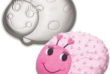 Ladybug Cake Designs / This shape cake is made by using our Wilton Ladybug cake tin.