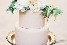 WEDDINGS CAKES & SWEETS