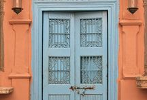 Doors / by Catalina Buades Coll