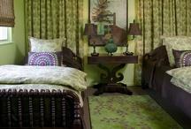Twin beds / Eureka springs lakehouse