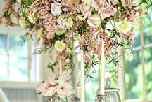 Wedding Flower Chandeliers / Unique and creative ways to hang flowers and florals from the sky to create draping, flowing floral art.