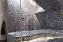 koupelna ve skoseném podkroví
