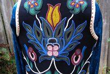 Ojibwe Floral Design / Woodland beadwork