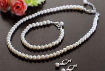 smykker, øredåbler og ringer