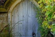 Foto - Branky, brány, dveře, vstupy, vchody, vrátka