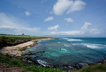 Marvelous Maui Magic: Vacation Homes, Attractions, Food / Vacation rentals in Maui are perfect for a family vacation, romantic couple getaway, group trip or destination wedding! There's so much to see in Maui, and all of it is breathtaking! From the different colored beaches to the rentals waiting for you, find everything you need for a trip to Maui. https://www.itrip.net/destinations/hi#Maui