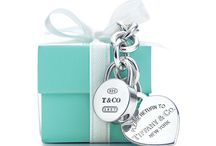 All things TIFFANY BLUE / Just because I love the color of a Tiffany box...