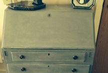 Painted bureau / Painted bureau