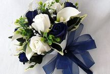 Flowers and centrepieces / Navy blue, pale blue and silver