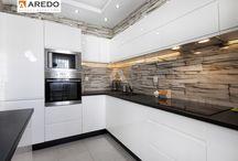 Kuchnie na wymiar / Meble kuchenne na wymiar. Bezpłatne projekty 3D ! Umów się na spotkanie z jednym z naszych projektantów.