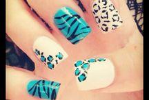 Nails / by Lessandra Lara