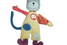 Les Jolis pas Beaux from Moulin Roty / Come and see our range of Moulin Roty Les Jolis pas Beaux animals made from lots of brightly coloured different fabrics.    Included in the range are soft toys, baby comforters, rattles and more.  Find the full range here - https://www.littletigergifts.co.uk/cat/moulin-roty-les-jolis-pas-beaux/