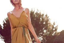 Bodas / Looks, peinados, recogidos... todo los consejos de moda que necesitas para ir de boda, seas o no la novia.