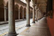 Arcades of Bologna / Bologna is famous for its arcades. The arcades of Bologna, nearly 40 km long, are candidates as a World Heritage Site by UNESCO. Here are some pictures