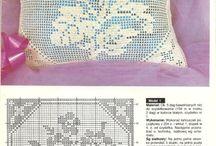 Sofa cushion filet crochet