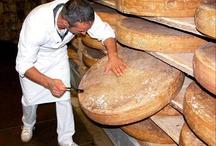 Franse kaas / Pistoletjes. Stokbrood. Maar het zonovergoten Frankrijk heeft nog een geheim: haar heerlijke kazen!