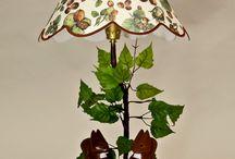 Lampes / Les lampes sont réalisées avec nos sculptures ou silhouettes en bois peint avec des abat-jours sur mesure et réalisés par une abat-jouriste sur demande.
