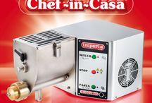 Chef-in-Casa / La macchina da pasta che fa tutto, impasta, fa la sfoglia, estrude pasta corta e lunga.