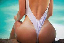 Bonny Gombert sexy ass bikini