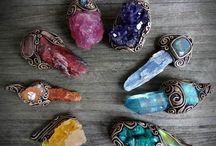 Crystal & Gemstone Jewellery