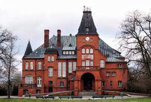 Kobylniki (k. Kruszwicy) - Pałac / Pałac w Kobylnikach (k. Kruszwicy) wzniesiony w 1900 r. dla rodu von Wilamowitz-Möllendorf, który pozostawał w Kobylnikach do 1945 r. W pałacu mieści się hotel i restauracja.