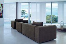 Panelgardiner / Solafskærmning: Fischer har et bredt sortiment i tekstiler til panelgardiner med forskellige betjeningsmuligheder.