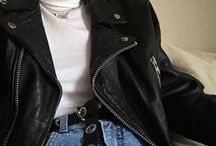 LEATHER JACKET OUTFITS.