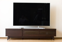 TV Board テレビボード / お部屋に合わせてぴったり収まる伸縮式のTVボードや、ベッドルームにも最適なハイタイプのTVボード   http://www.momu-shop.jp/storage/ / by Original design momu K.Isagawa