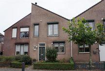 Woning Cuijk / In rustige, kindvriendelijke straat gelegen, zeer goed onderhouden geschakelde woning met een keurige, recent aangelegde tuin en royale berging. De gehele woning is goed onderhouden en meteen in-stapklaar!!!  De koopsom bedraagt 200.000 euro.  Meer informatie op http://www.funda.nl/koop/cuijk/huis-48849137-lupine-12/omschrijving/