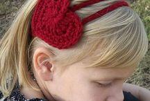 Arranjos de cabelo em crochê