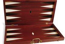 Pico Pao - Juegos de la Antiguedad - klassische Spiele aus Holz / PICO PAO sind 2 junge spanische Holzdesigner die aus edelsten Materialien klassische Spiele zu neuem Leben erwecken und sie mit viel Liebe zum Detail in Handarbeit fertigen. Lassen Sie sich begeistern unter www.deko-unlimited.de
